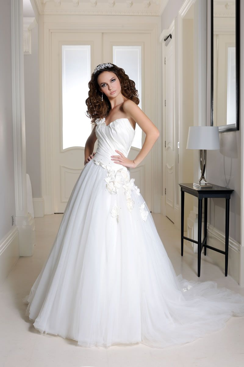30-best-strapless-dresses-veromia.co.uk VR61067-01