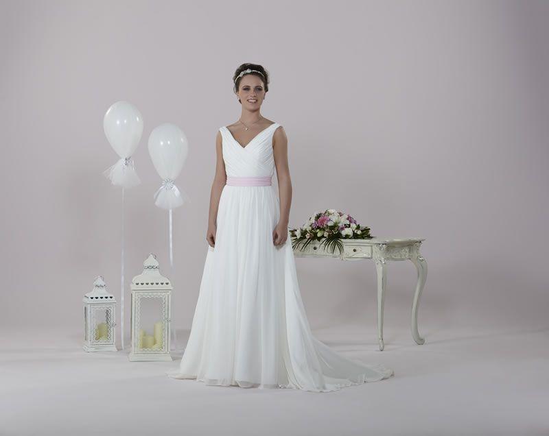 6-best-budget-dresses-alexiadesigns.com D022