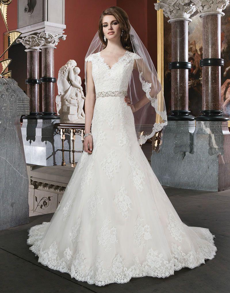 8-elegant-dresses-with-sleeves-justin-alexander-8703