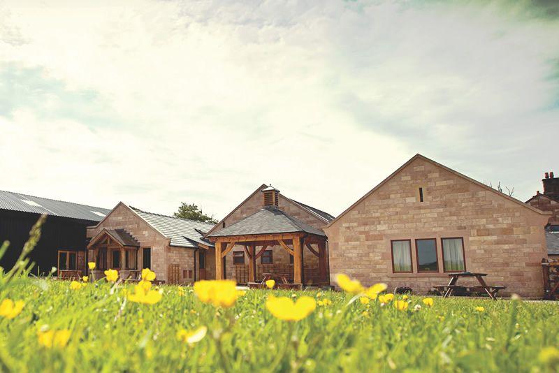 8-simple-wedding-features-heaton-house-Heaton_House