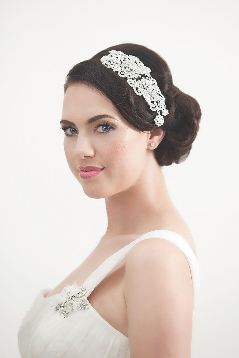 145-march-reader-offers-Rosalia_bridal_comb_£79.99_model