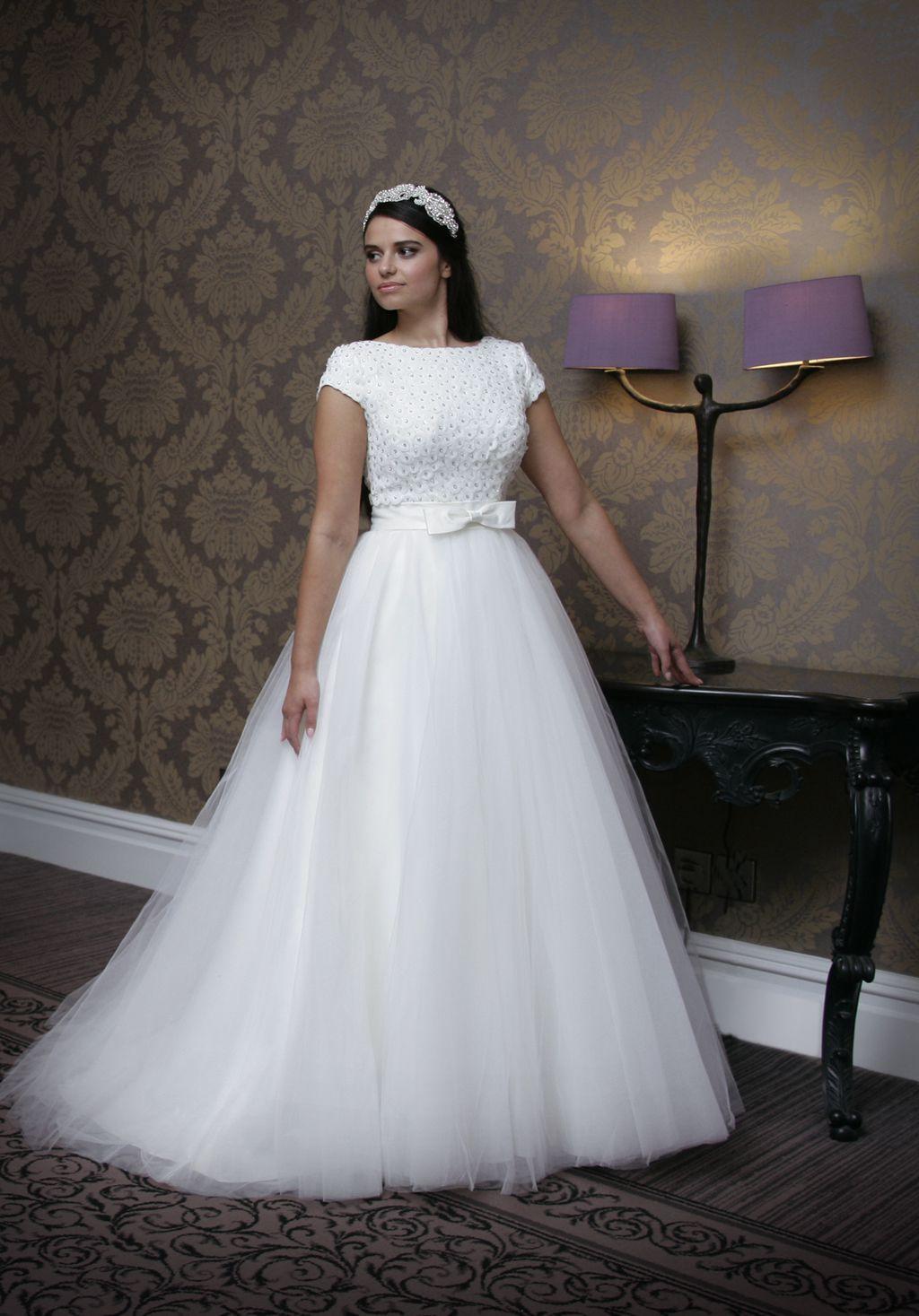 catherine-parry-daisy-daisy-bridal-1509_Y6R0286_c_LR