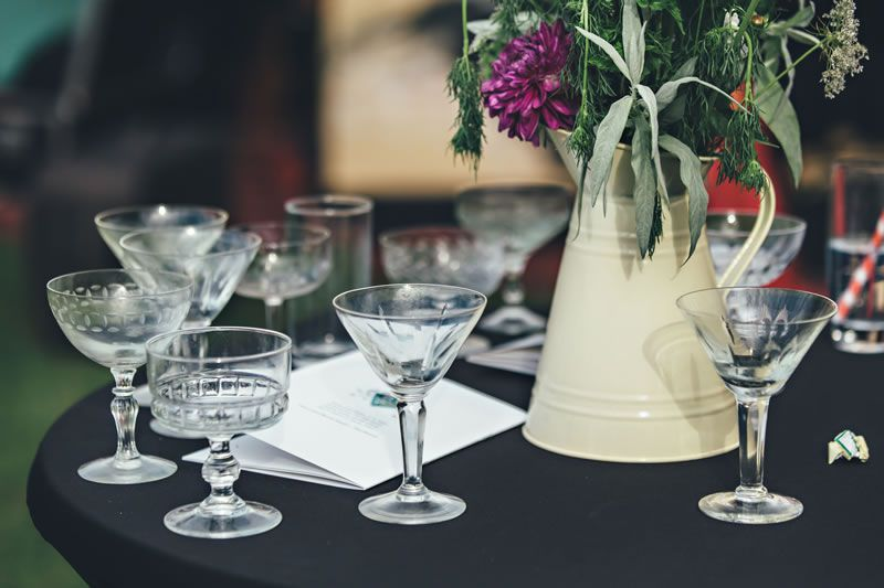 5-wedding-trends-house-of-hud-Tip 2 - Sips