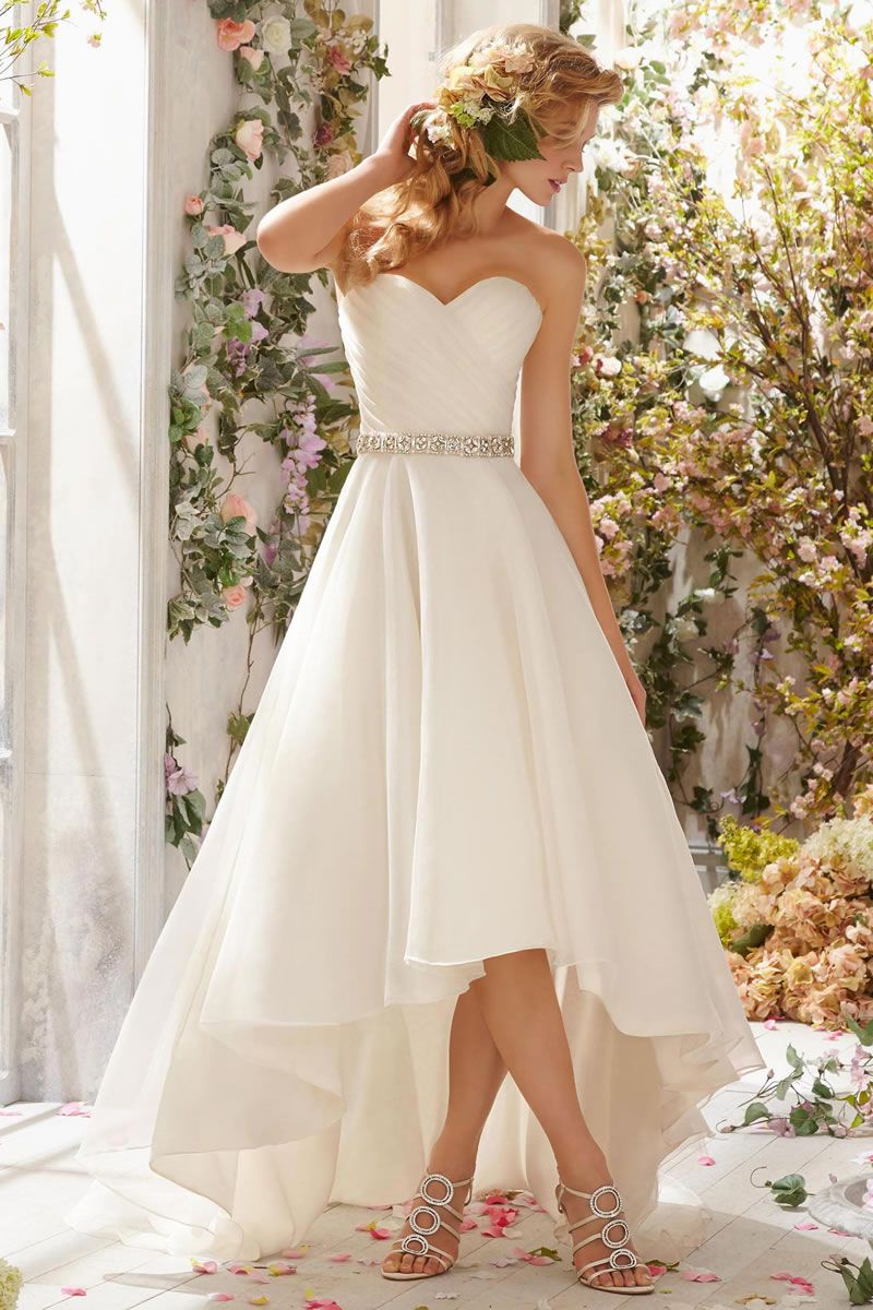 Best Beach Wedding Dresses for Wedding Abroad