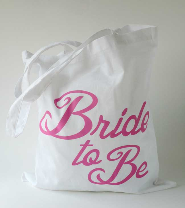 6-cute-hen-night-keepsakes-for-you-and-your-girls-PINK-TOTE-1a