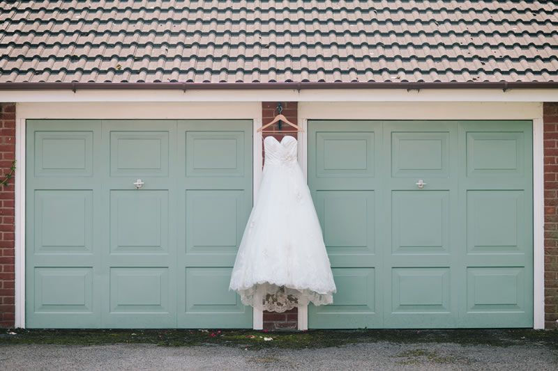 wedding-day-superstitions-marriageisthebomb.com       details_018