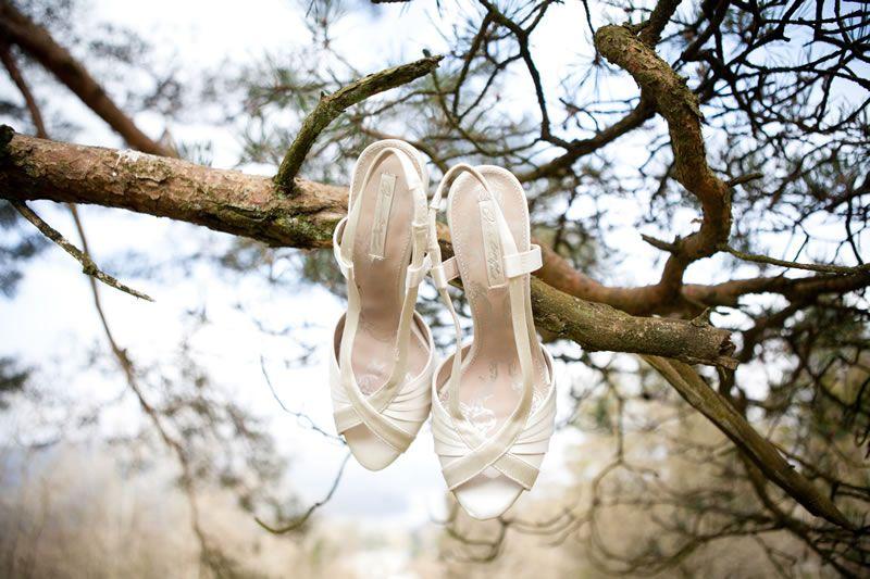 wedding-shoe-disaster-yolandedevries.com    KJ-1141