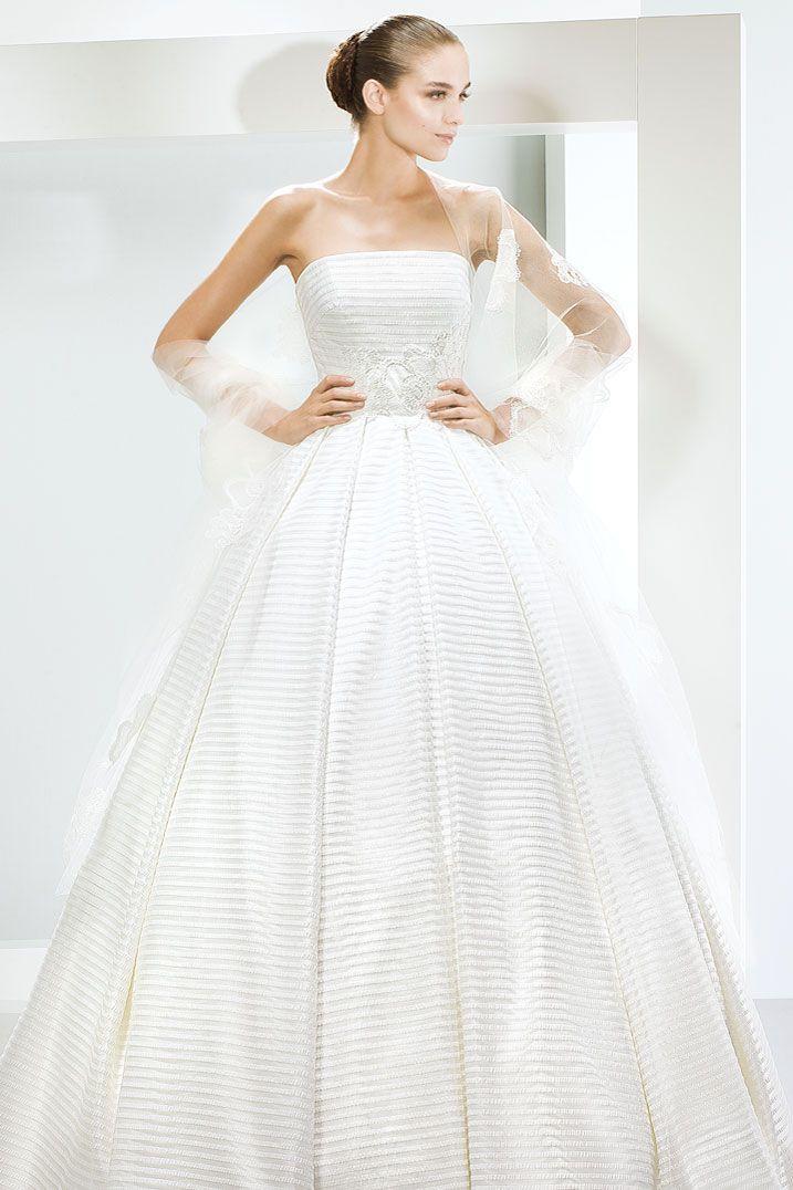 FYDWD-best-ballgowns-5000-by-Jesus-Peiro_f