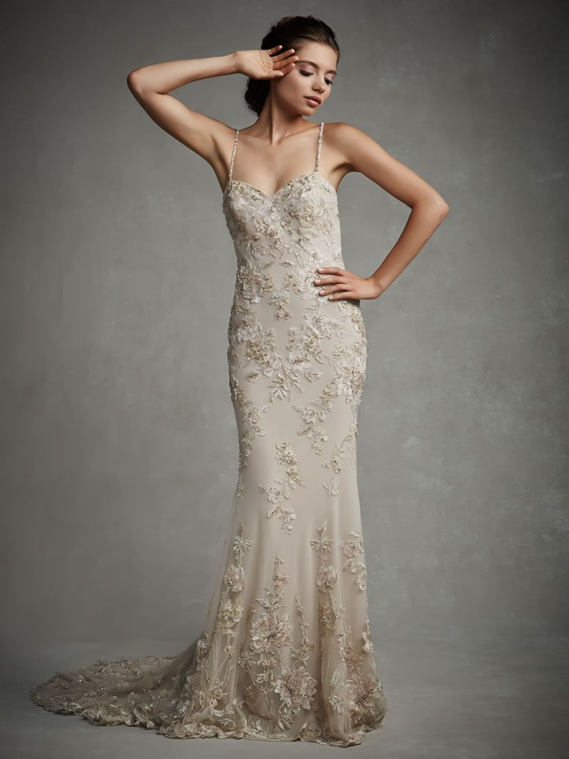 enzoani-luxurious-lace-July_Fro