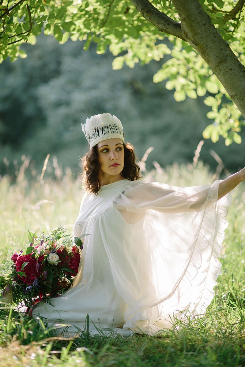 how-to-shop-vintage-wedding-dress-1970s_095