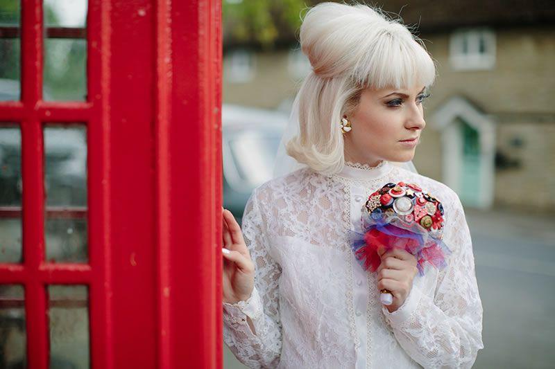how-to-shop-vintage-wedding-dress-60s_064