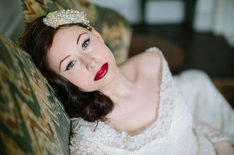 how-to-shop-vintage-wedding-dress-vl_104