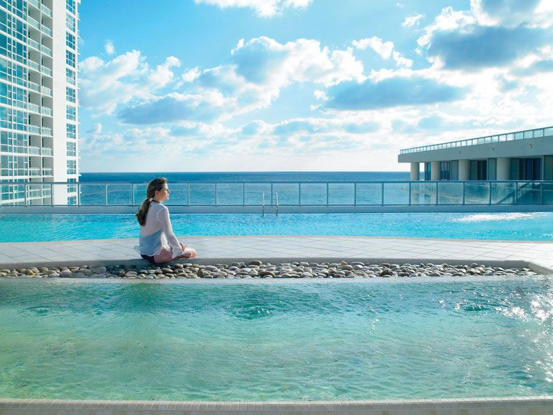 me-moon-healthy-honeymoon-Canyon Ranch Pool and Sea Views