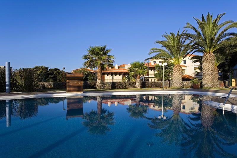 me-moon-healthy-honeymoon-Galasol Swimming Pool