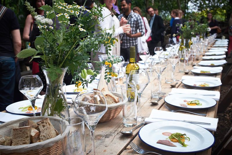 tom-summer-wedding-feast-1 Laid table with amuse bouche