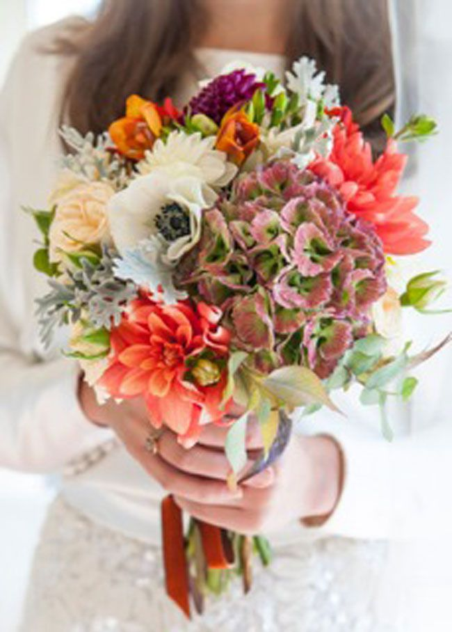 top-wedding-planning-tricks-from-most-curious-wedding-show-one-flew-sarah-bouquet