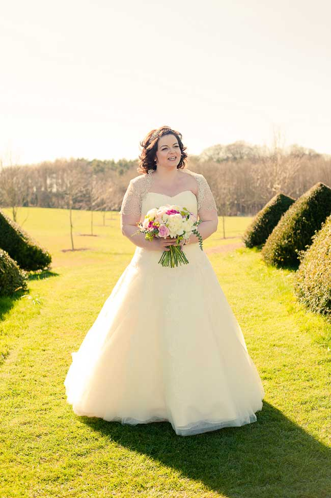 9-unforgettable-moments-for-your-wedding-guests-kerriemitchell.co.uk-bride