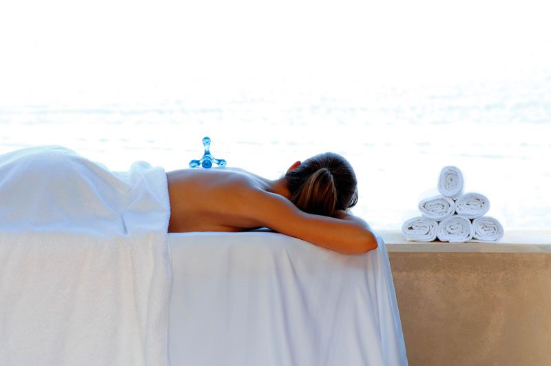 5-best-spa-breaks-Blue-Palace-Resort-Outdoor-Treatment