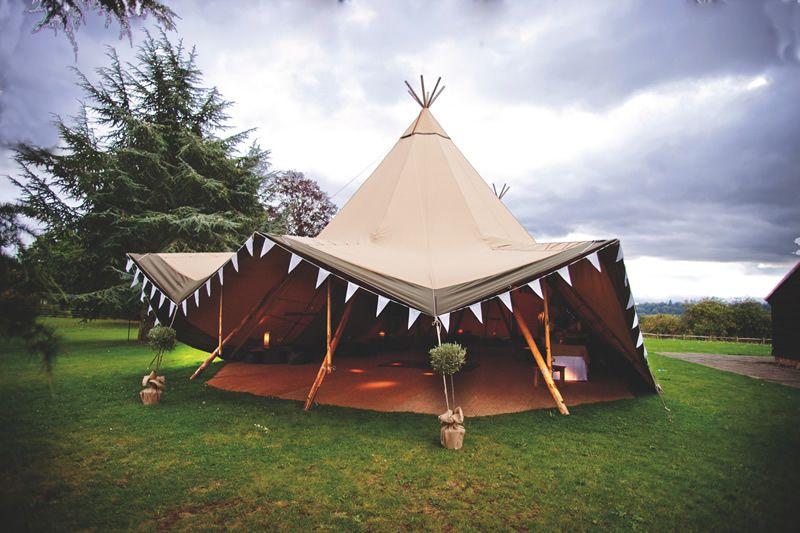 5-ways-to-pick-perfect-venue-zoecollyer.co.uk  Olivia and Jon Wedding 9.9.11-924
