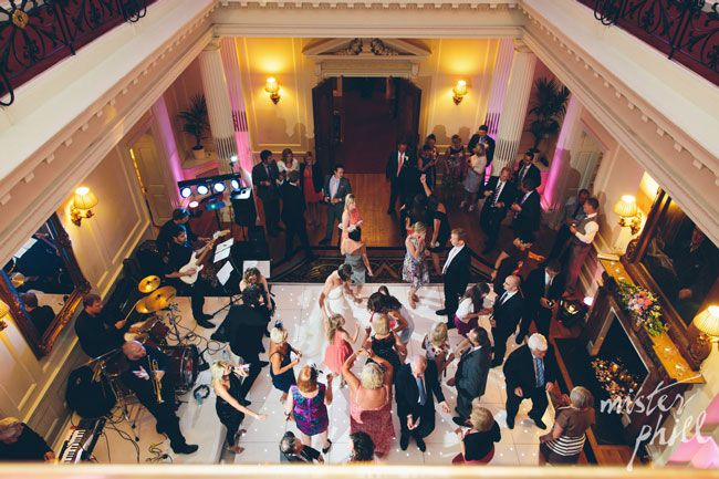 9-unforgettable-moments-for-your-wedding-guests-mister-phill-2