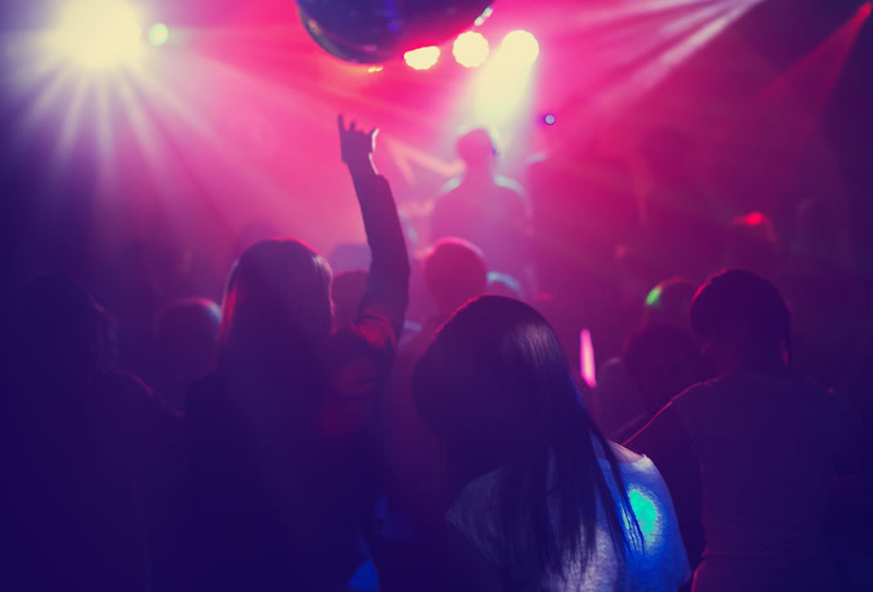 10-tips-to-stay-safe-hen-party-chillisauce-1 (2)