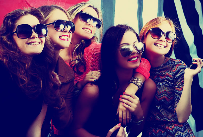 10-tips-to-stay-safe-hen-party-chillisauce-1