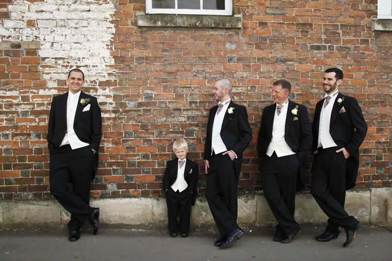 Loren and Ollie's vintage wedding with a modern twist © http://www.studiohphotography.co.uk/