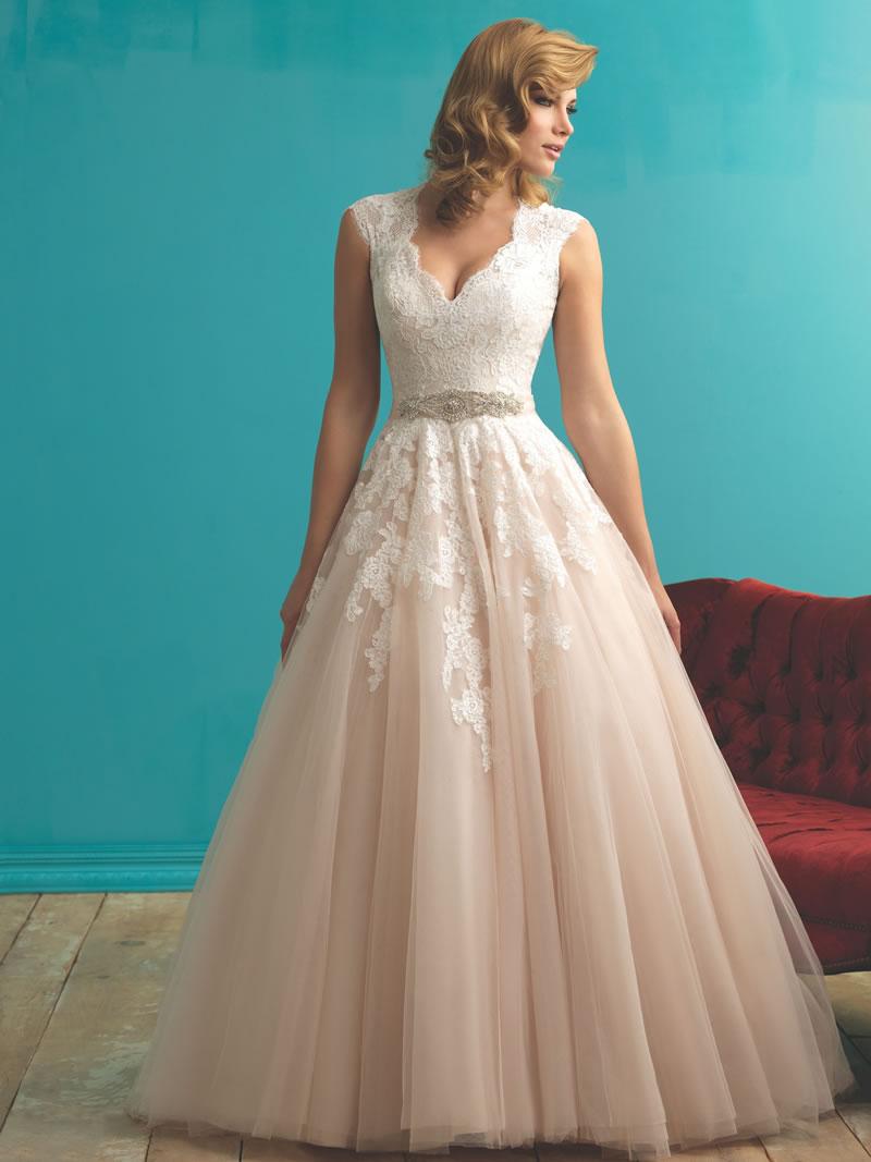 allure-bridals-fall-2015-allurebridals.com 9272F
