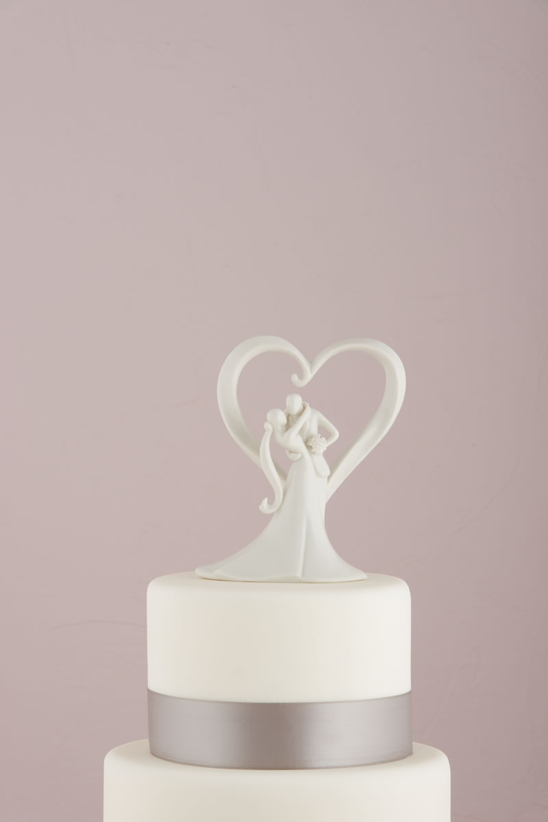 confetti-cake-toppers-7087_stylish-embrace-cake-topper