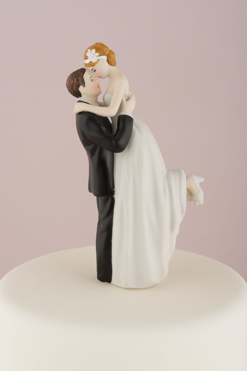 confetti-cake-toppers-9013-z_true-romance-couple-figurine