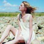pack-light-honeymoon-featherandstitch-Des Petits Hauts Kimoli Dress