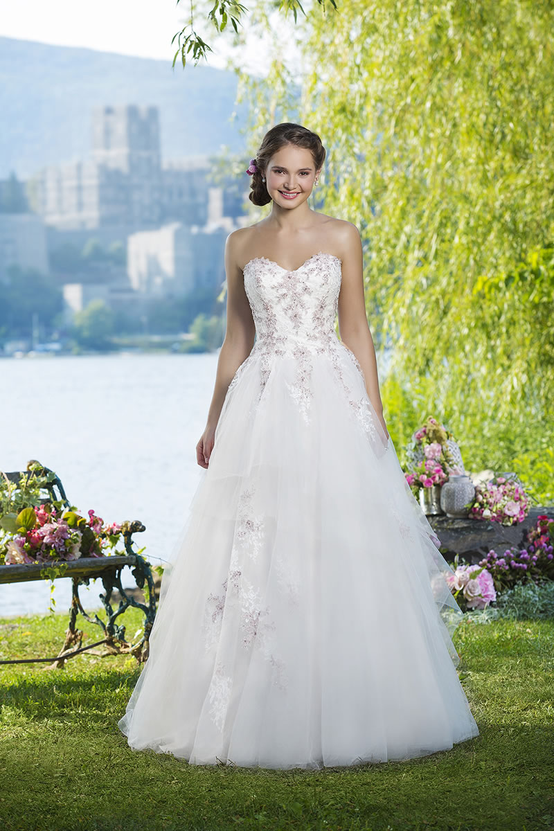 sweetheart-fall-2015-sweetheartgowns.com 6102_001