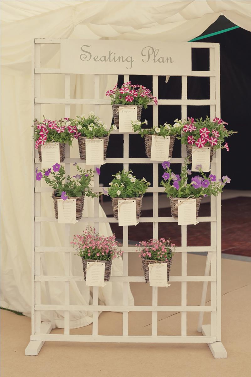 10-decorations-outdoor-wedding-lissaalexandraphotography.com LAP-Copyright-114-vintage