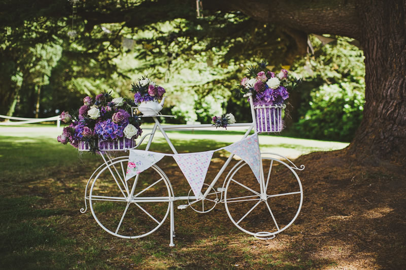 10 Decorations Perfect For An Outdoor Wedding