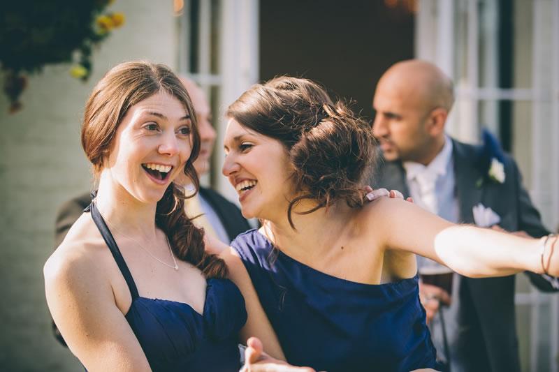 11-ways-bridesmaids-can-help-the-bride-simonfurlongphotography.co.uk RC220314-528