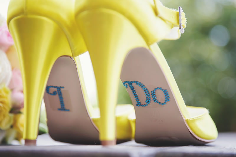how-to-break-in-your-wedding-shoes-gemmawilliamsphotography.co.uk GemmaWilliamsPhotography_Jenna&Lee_009