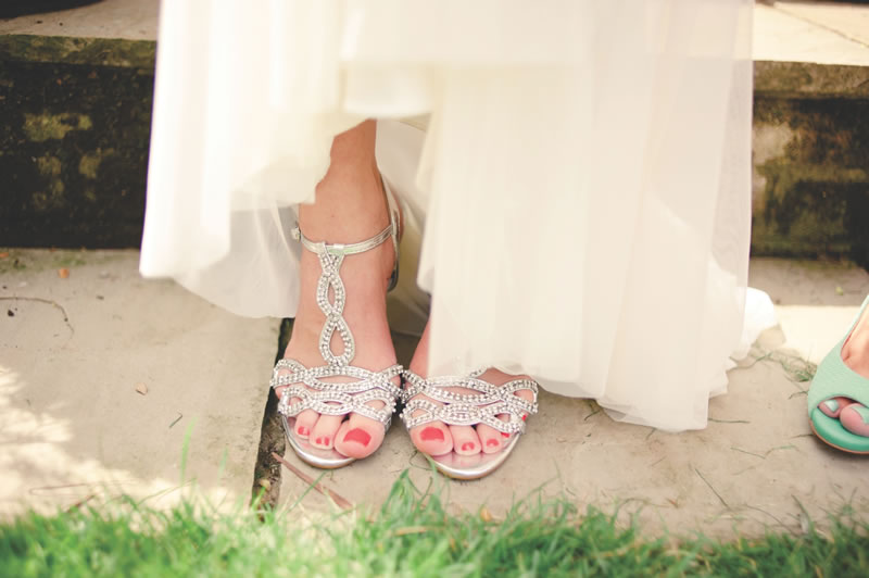 how-to-break-in-your-wedding-shoes-kerriemitchell.co.uk 2013-07-27 00199