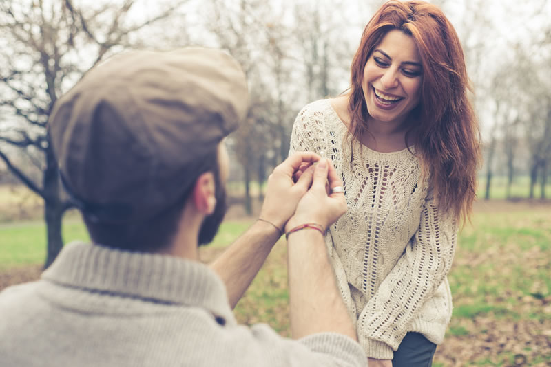 simple-guide-engagement-rings-shutterstock_175639226