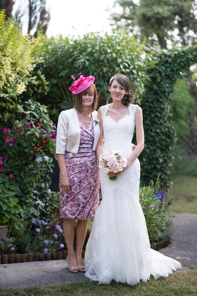 stylish-mother-of-the-brides-joabsmithphotography.co.uk L+M_1588