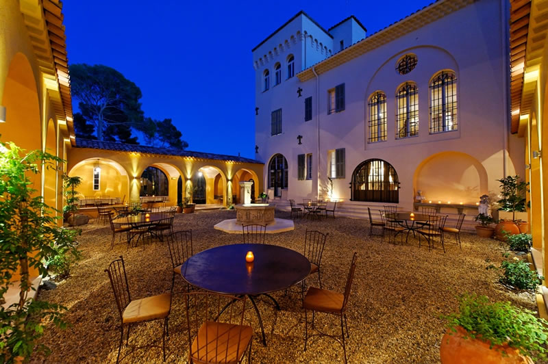things-couples-forget-getting-married-abroad-Courtyard by night at Lou Casteou
