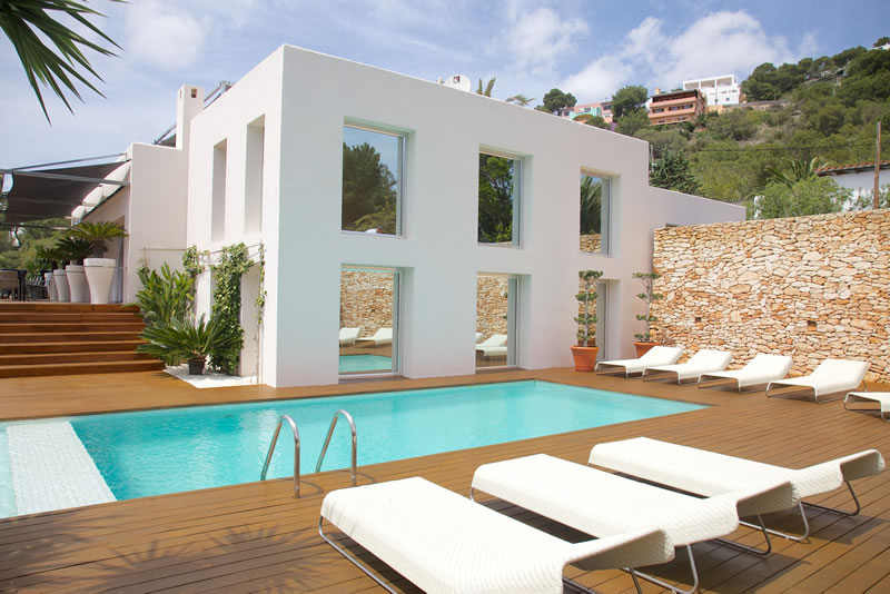 things-couples-forget-getting-married-abroad-Skyfall Ibiza Deluxe Villas 2013   full image74 (1)