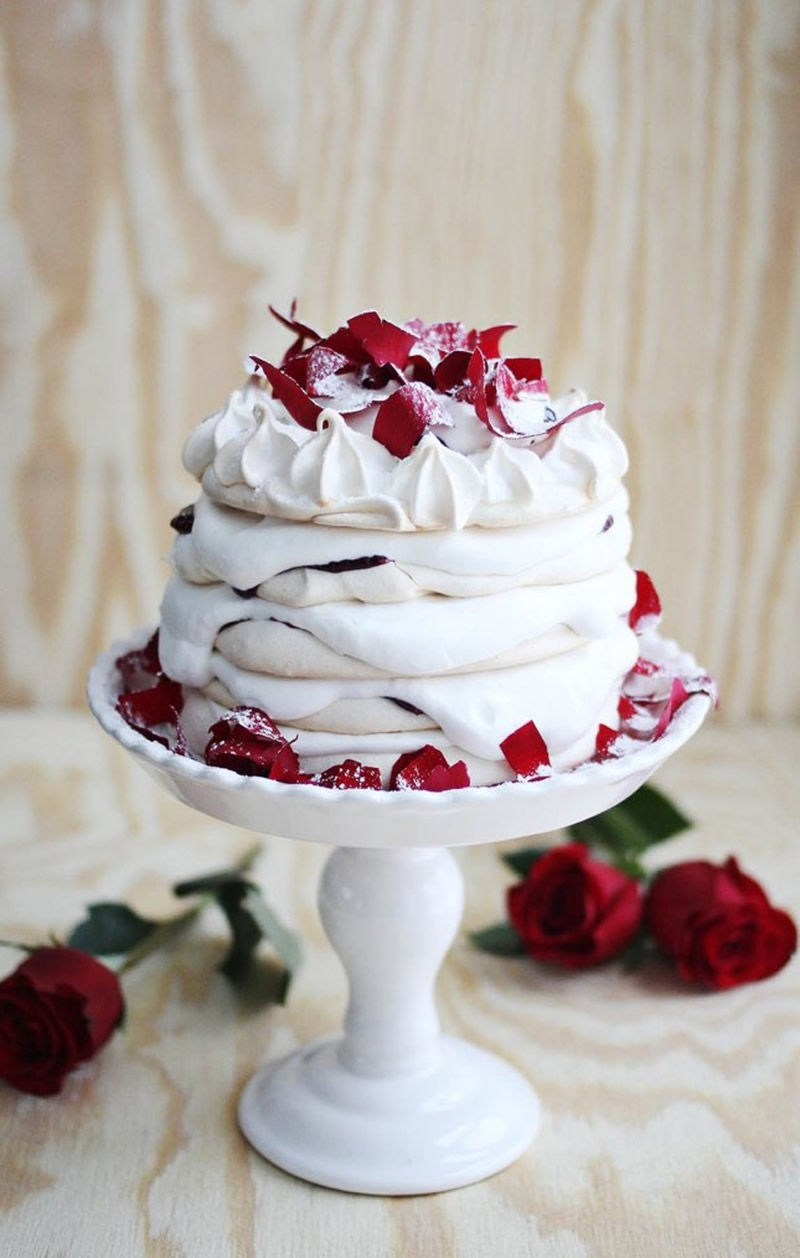 wedding-cake-alternatives-6a00d8358081ff69e201a511643869970c-800wi-645x1014