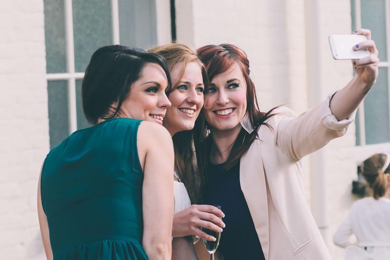 wedding-guest-etiquette-simonfurlongphotography.co.uk RC220314-370