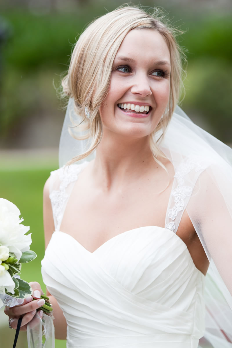 Wedding Hair Styles: The Ultimate Guide simple up do