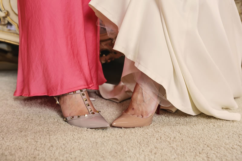 10-struggles-every-short-bride-helenrussellphotography.co.uk Hollie&Paul-128
