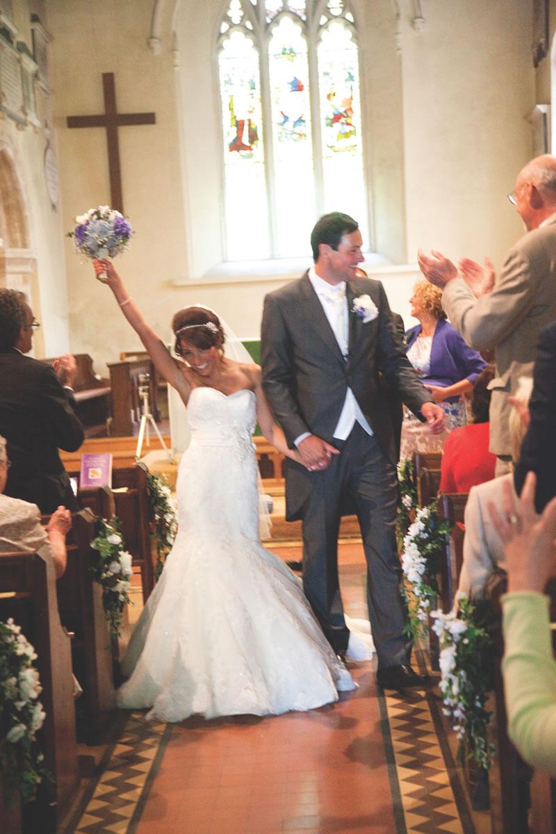 10-struggles-every-short-bride-lucyeloisephotography.co.uk 224lukelaurawed