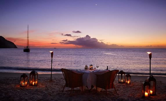 101-honeymoons-weddings-abroad-Sugar Beach St Lucia