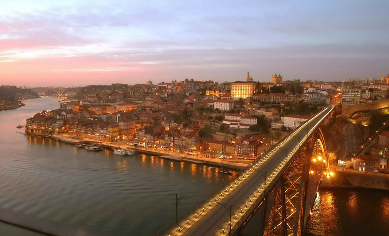 dreamiest-destinations-Porto at sunset