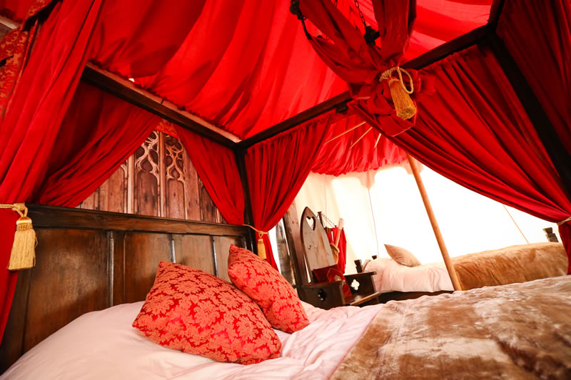glamping-warwick-castle-Kings Tent interior 1