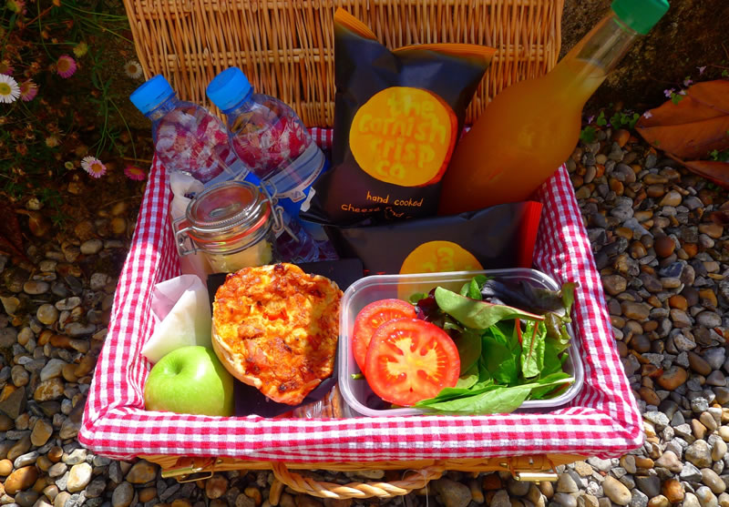 pentillie-picnic-wedding-Pentillie Castle picnic hamper